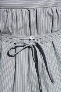 Allmogeklänning vit-blå 050